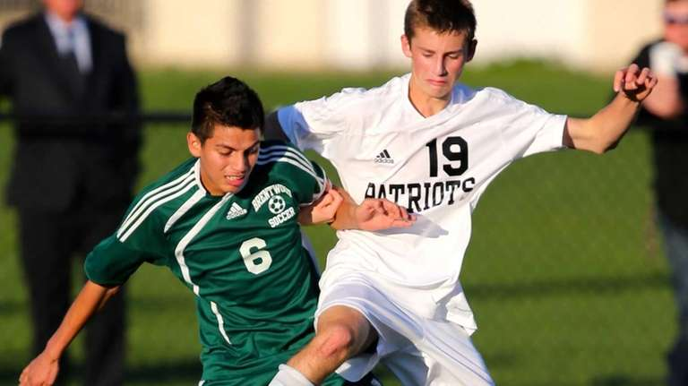 Brentwood's Ever Torres and Ward Melville's Michael Balzan