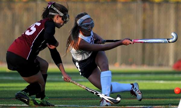 Cold Spring Harbor's Jillian Lee, right, passes away