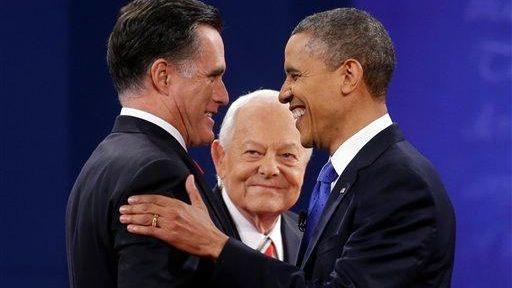 Moderator Bob Schieffer, center, watches as Republican presidential