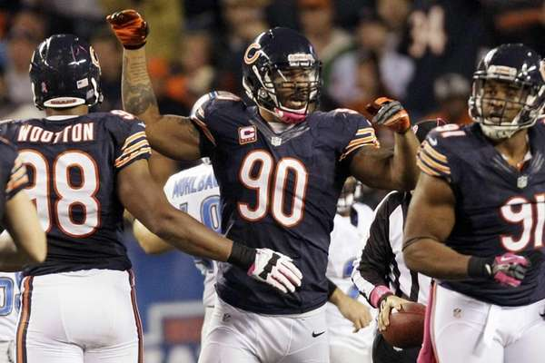 Chicago Bears defensive end Julius Peppers (90) celebrates