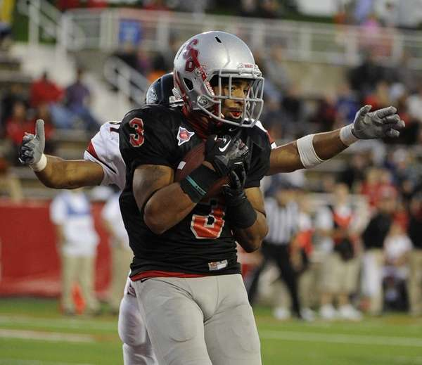 Stony Brook's Kevin Norrell makes the catch in