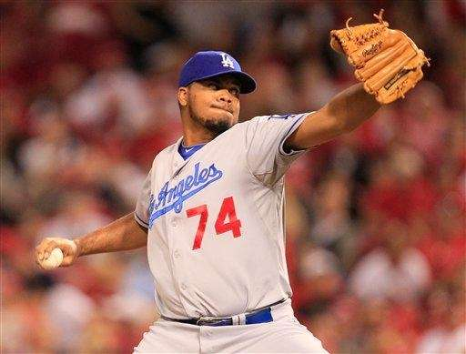 Los Angeles Dodgers relief pitcher Kenley Jansen delivers