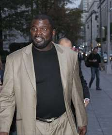 Former Giants linebacker Lawrence Taylor leaves federal court