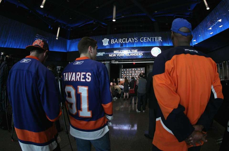 Fans congregate as New York Islanders owner Charles