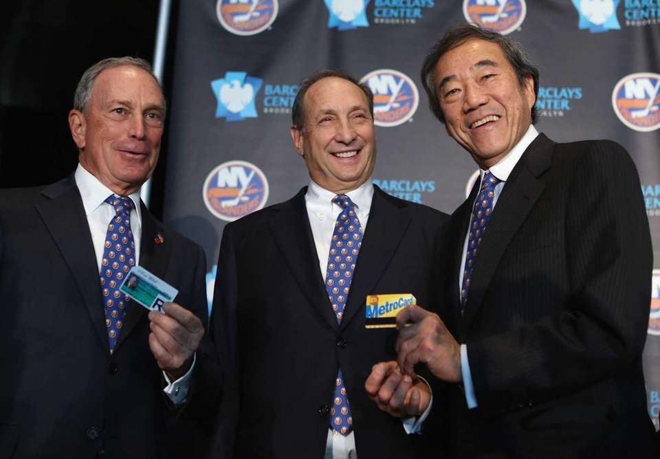 Mayor Michael Bloomberg, left, owner Bruce Ratner of