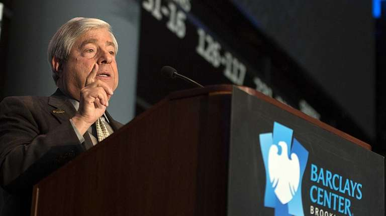 Brooklyn borough president Marty Markowitz talks to the