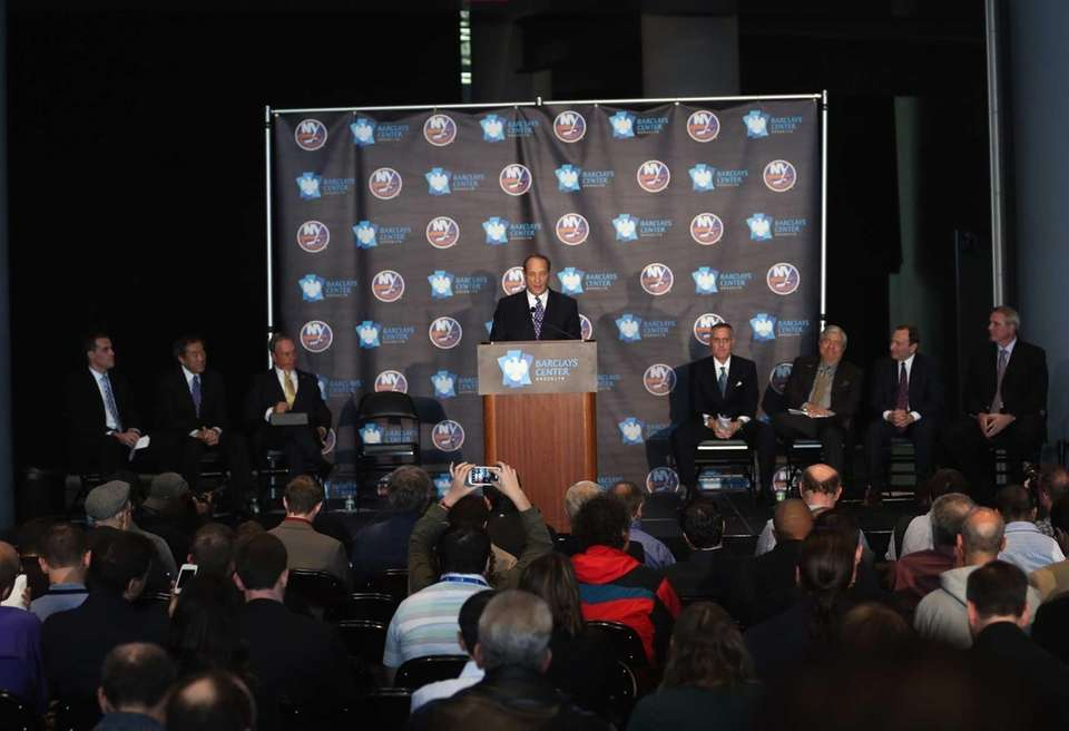 Nets owner Bruce Ratner welcomes the New York