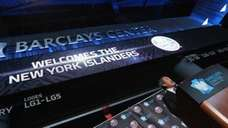 NY Islanders owner Charles Wang announces the team's