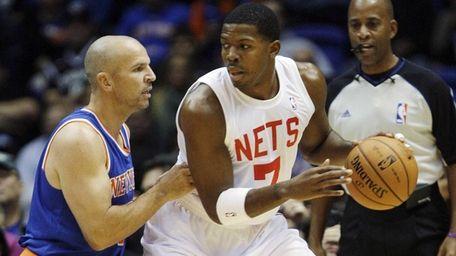 Jason Kidd of the Knicks, left, defends against