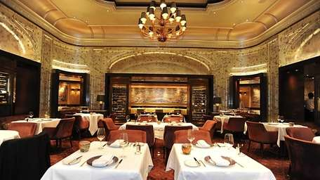 The dining room at Adour, Alain Ducasse's New