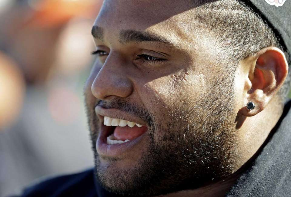 San Francisco Giants third baseman Pablo Sandoval smiles