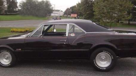 THE CAR AND ITS OWNER 1967 Oldsmobile 442