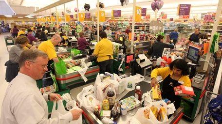 The Stop & Shop Supermarket in Levittown drew