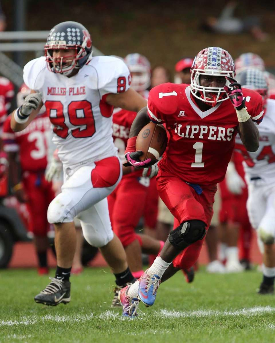 Bellport's Nate Chavious breaks through the Miller Place
