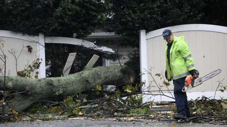 Amityville trustees are seeking to borrow $800,000 toward