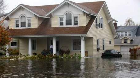 Flooded and wind-damaged properties in mid-Atlantic states and