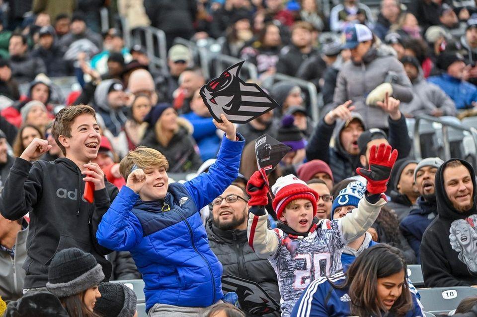 Fans enjoying game. Home Opener XFL Tampa Bay