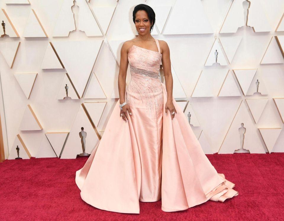 Regina King arrives at the Oscars on Sunday,