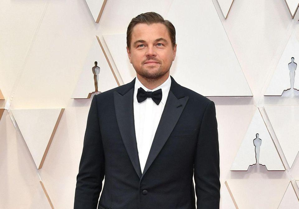 HOLLYWOOD, CALIFORNIA - FEBRUARY 09: Leonardo DiCaprio attends