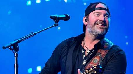 Lee Brice performs during the 2018 CMA