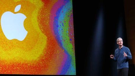 Apple shook up its executive ranks Monday, saying