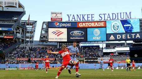 Chicago Fire plays New York City FC fight