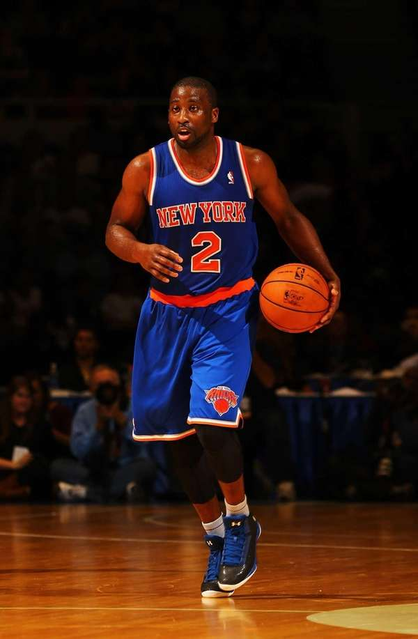 Raymond Felton dribbles during a preseason game against