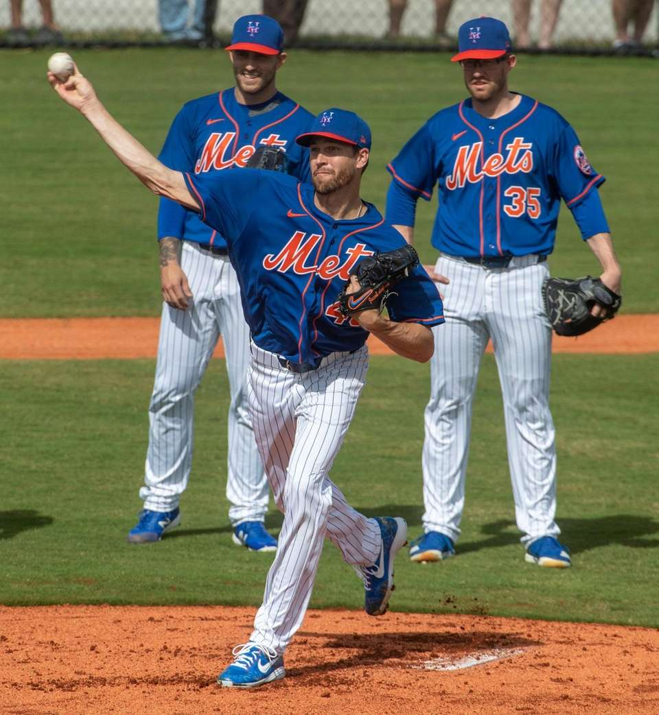 Mets pitcher Jacob deGrom during a spring training