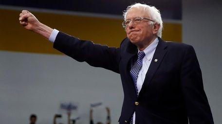Democratic presidential candidate Sen. Bernie Sanders, I-Vt., arrives