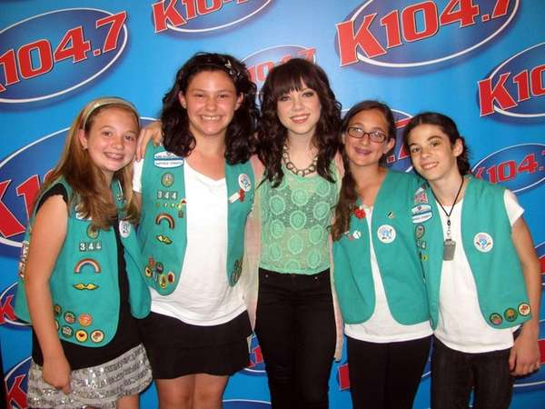 Singer Carly Rae Jepsen with Kidsday reporters Emily