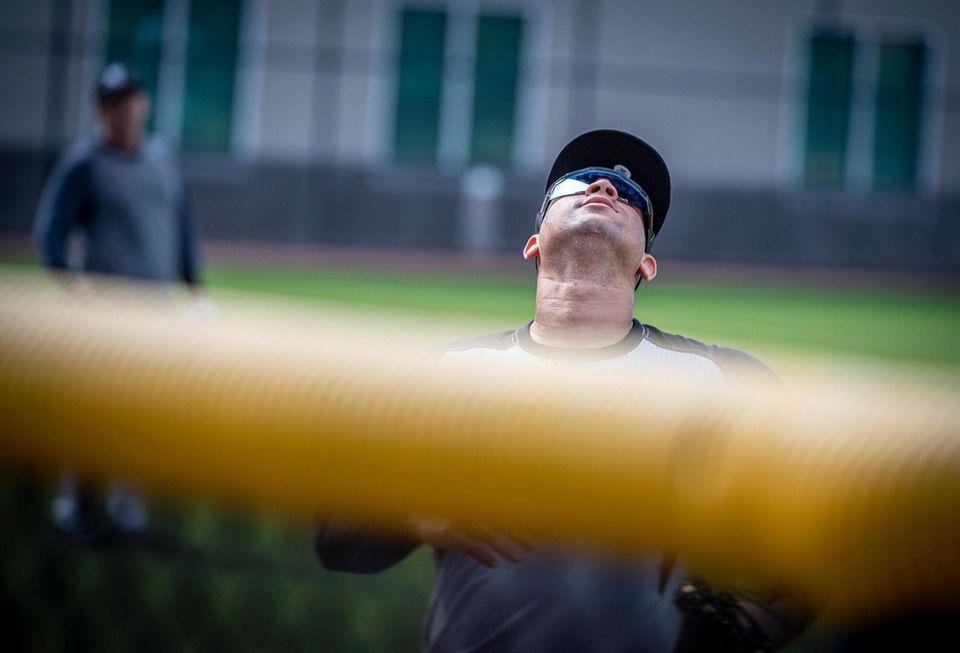 New York Yankees' Gary Sanchez fielding deep balls