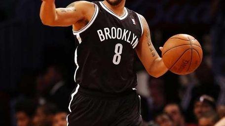 Deron Williams #8 of the Brooklyn Nets