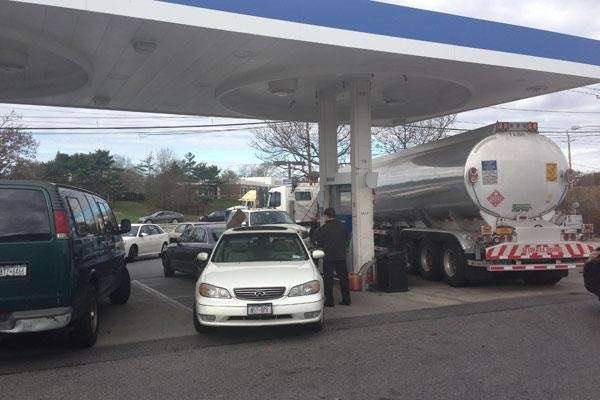 Lines at the Mobil station on Route 110