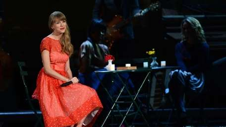 Taylor Swift performs during the 46th annual CMA