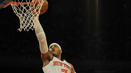 New York Knicks' Carmelo Anthony makes a shot