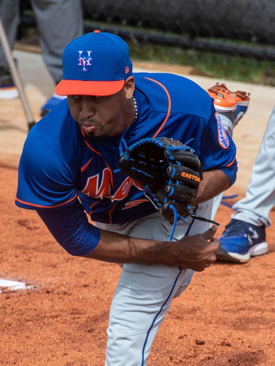 New York Mets pitcher Edwin Diaz throws a
