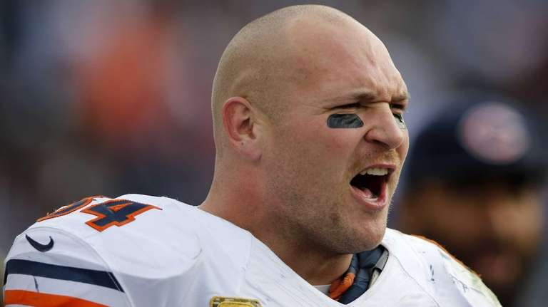 Chicago Bears middle linebacker Brian Urlacher yells while