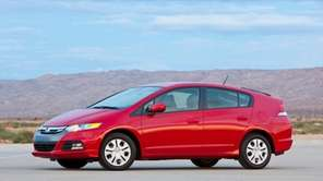 The 2013 Honda Insight, pictured above, looks like