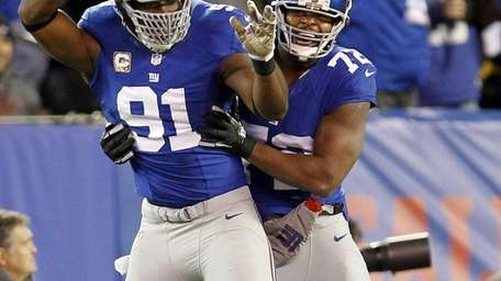 New York Giants defensive end Justin Tuck and