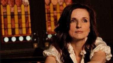 After touring with Robert Plant, singer-songwriter Patty Griffin