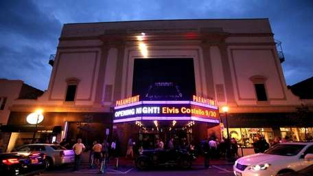 The Paramount Theater in Huntington (Sept. 30, 2011)