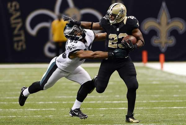 New Orleans Saints running back Pierre Thomas carries