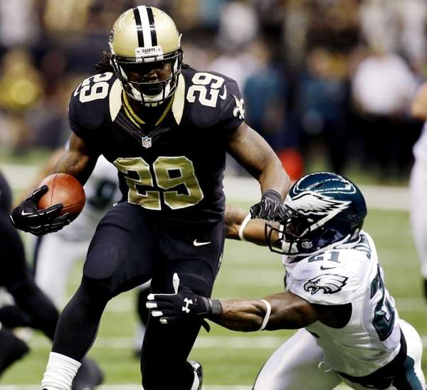 New Orleans Saints running back Chris Ivory carries