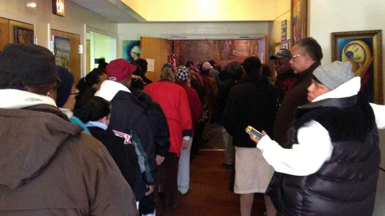People waiting to vote line up at Hempstead