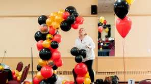 Balloons by Laurie designs and creates huge balloon