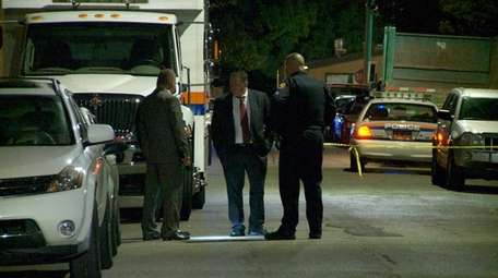 The Homicide Squad investigates a fatal shooting that