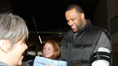 New York Yankees pitcher CC Sabathia accepts donated