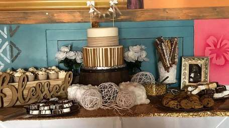 Rustic parties are popular this year. This party