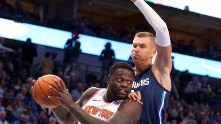New York Knicks forward Julius Randle (30) looks