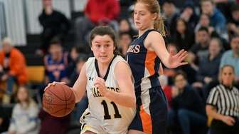 Julia Wilkinson of Wantagh powers past Noa Fisher